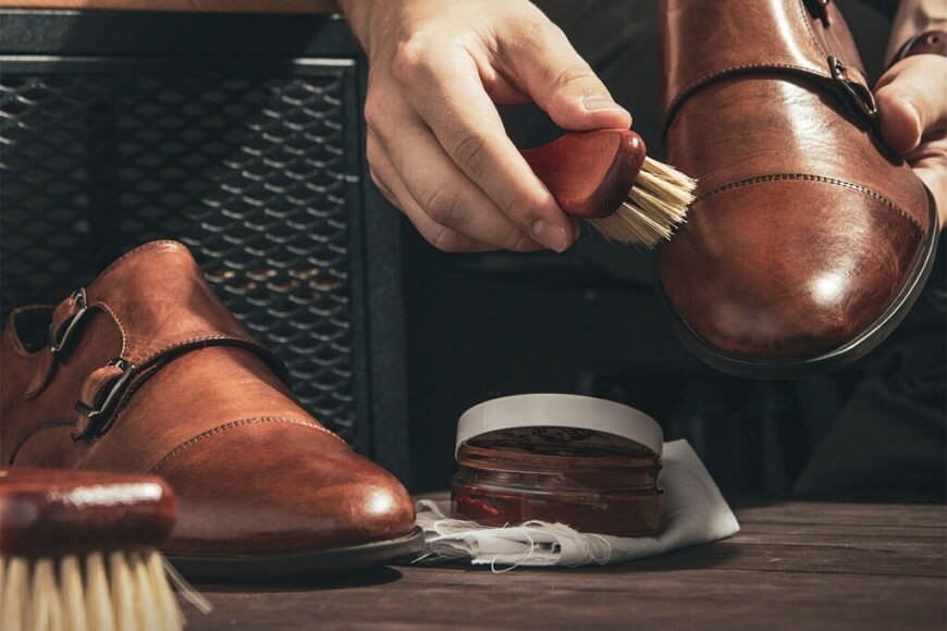 shoes cleaning & shining service
